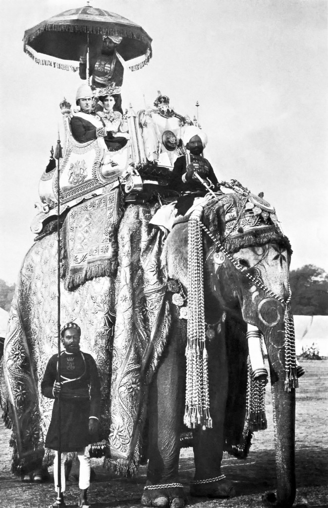 George_Curzon_and_Mary_Curzon_on_the_elephant_Lakshman_Prasad_1902-12-29_in_Delhi